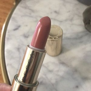 Becca Ultimate Lipstick Love in Tulip